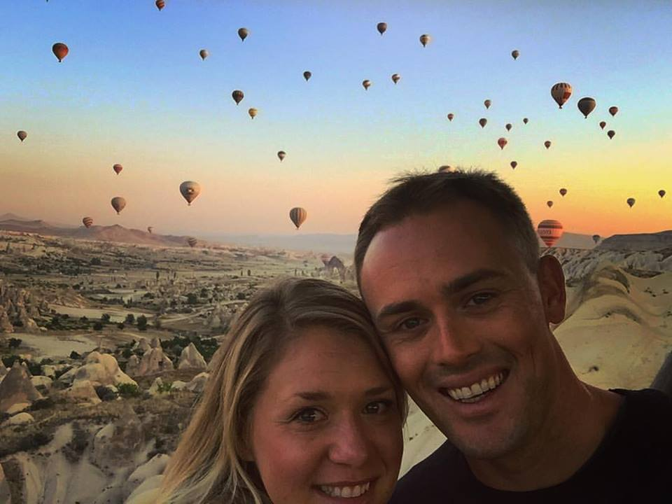 Scott Dinsmore and his wife, Chelsea, before heading to Tanzania.